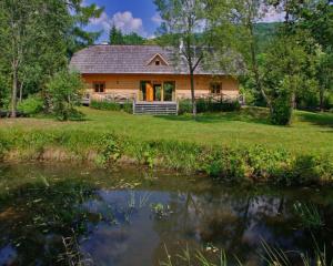 Chata na Zaszumyczu, noclegi w Bieszczadach